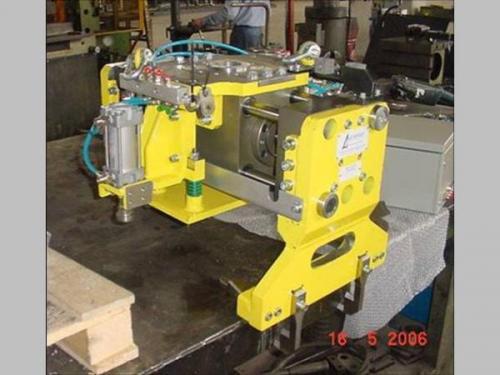 PINZA-SPECIALE-PER-FONDERIA  Robotools robotic devices Torino